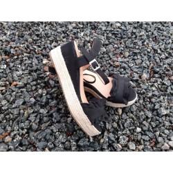 Sort sandal