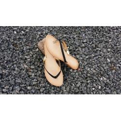Flip flop sandal med gummibund i sort m/ guld